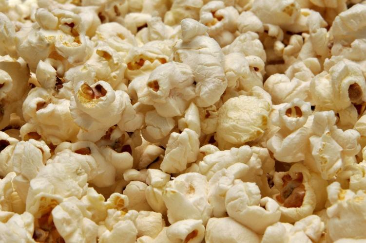 http://upload.wikimedia.org/wikipedia/commons/0/09/Popcorn02.jpg